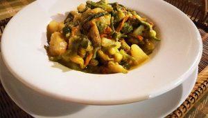 Ciambotta cilentanta - Gemüsepfanne aus Kartoffeln und Zucchiniblüten